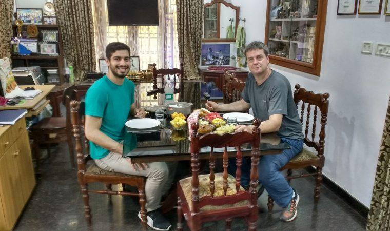 Chef de Curitiba lança série de vídeos sobre pesquisa de pratos vegetarianos na Ásia