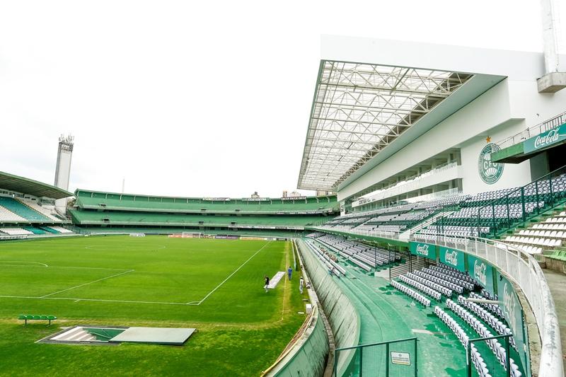Setor Pro Tork de arquibancadas do estadio Couto Pereira. Nova setor com arquibancadas e camarotes completa o segundo anel do estadio Couto Pereira.