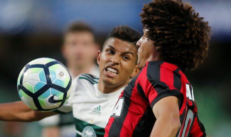 """A mediocridade de Atlético e Coritiba e a mentira do """"saber sofrer"""" no Brasil"""