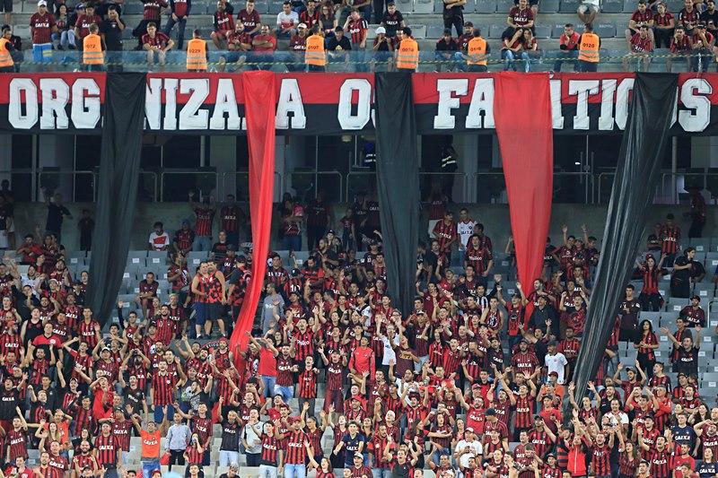 "Petraglia e Fanáticos discutem ""festa"" na Arena e organizada quer ouvir sócios"