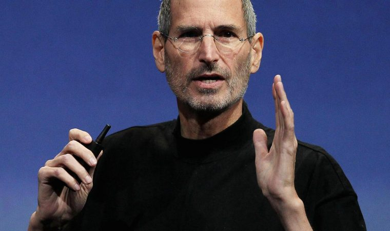 A BMW Z8 de Steve Jobs será leiloada em dezembro