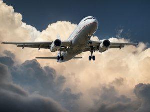 Imagem de um avião comercial