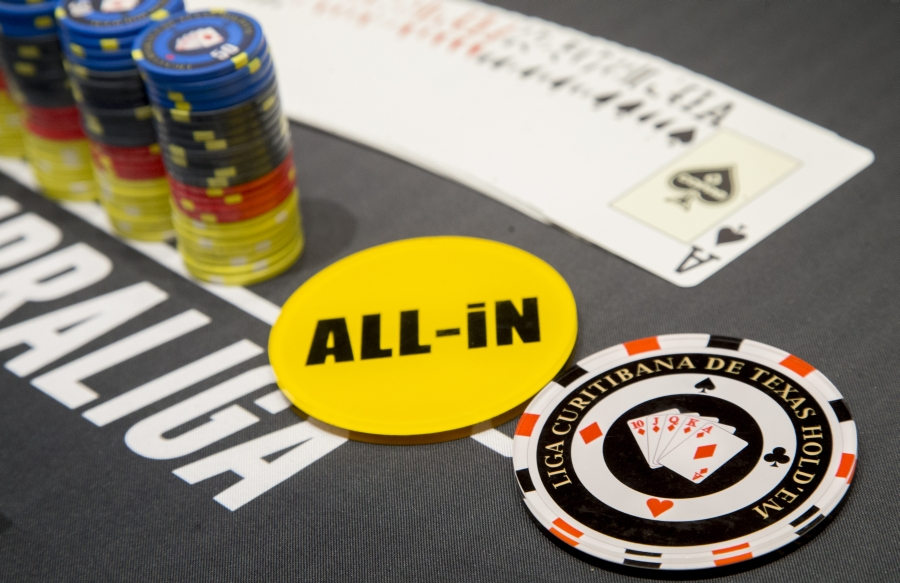 Como jogar torneios turbo poker