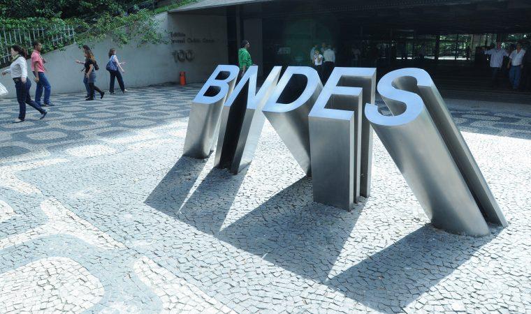 Você vai pagar essa conta: política de subsídios do BNDES deixou rombo de R$ 184 bilhões