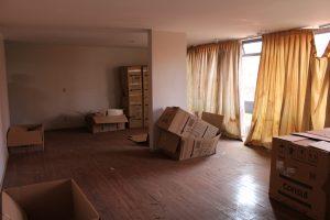 Interior do apartamento funcional da Câmara que está abandonado há dez anos.