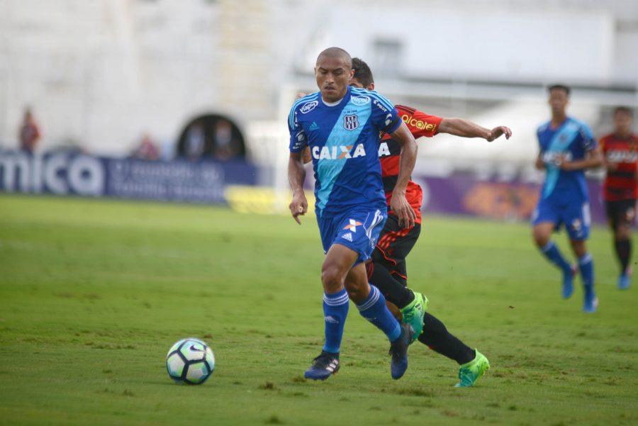 Nino Paraíba, da Ponte Preta, mitou no Cartola FC na 1ª rodada do Brasileiro.