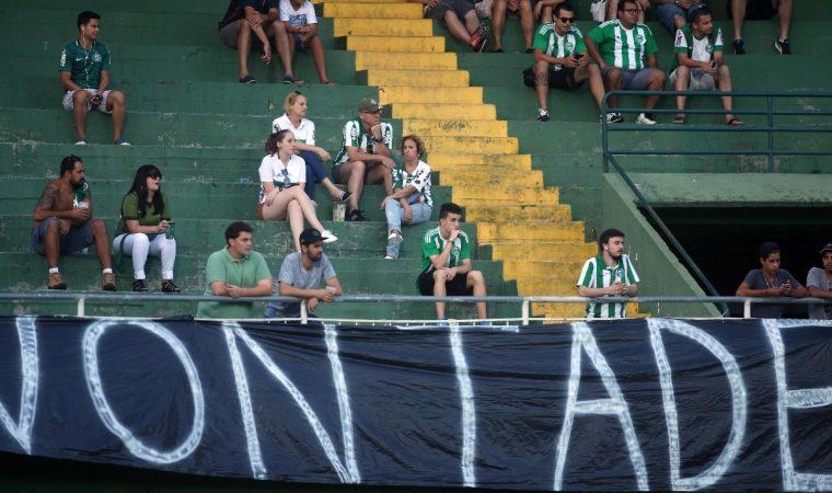 O povo sumiu dos estádios paranaenses