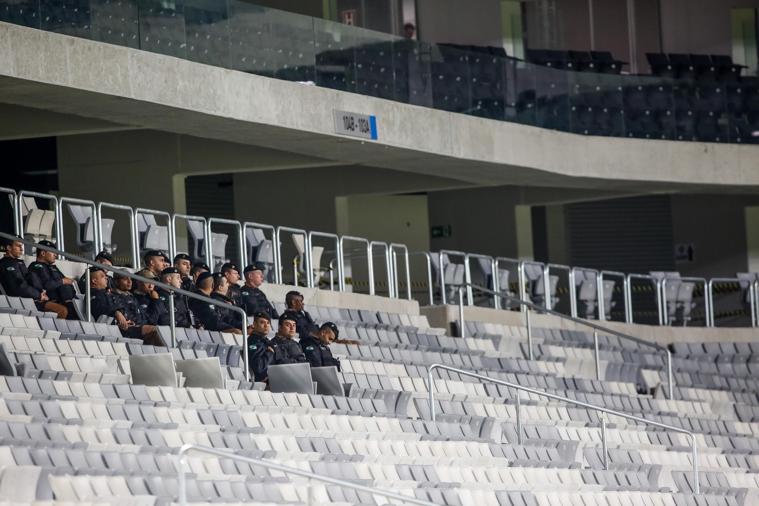 Estádios vazios: torcidas abandonam quase 90% dos clubes brasileiros