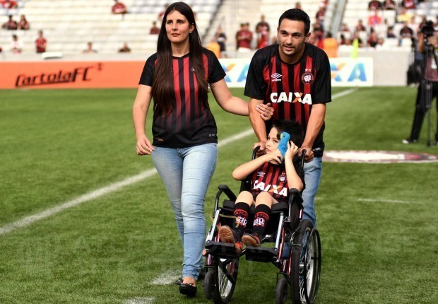 Atlético é destaque no Fantástico com história de superação do menino Rafael