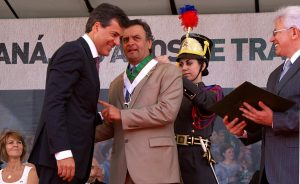Beto e Aécio: grandes amigos. Foto: Marco André Lima/Arquivo Gazeta do Povo.