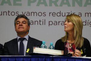 Beto Richa e a esposa, Fernanda: campanha pelas reformas. Foto: Lineu Filho/Gazeta do Povo.