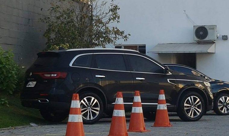 Por que Beto Richa tem um carro de luxo que ainda nem foi lançado?
