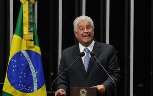 Senador Roberto Requião (PMDB).