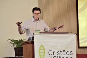 O historiador Peter Harrison em visita ao Brasil
