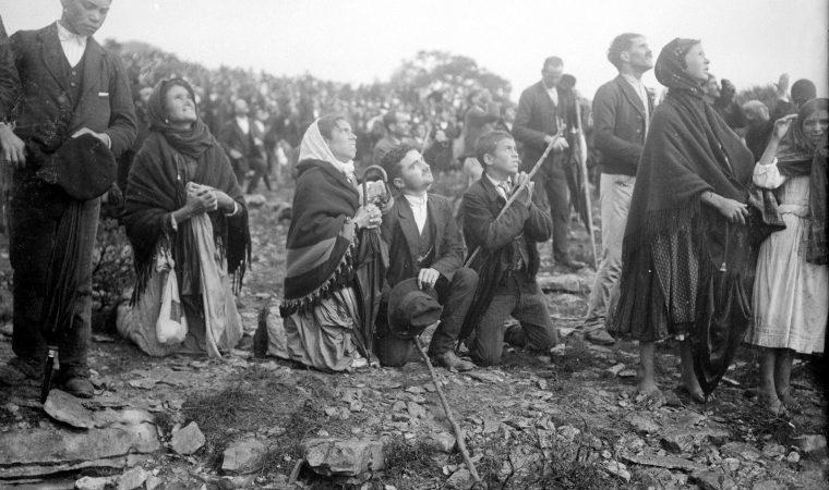 """100 anos atrás: o que ocorreu no """"Milagre do Sol"""" de Fátima?"""