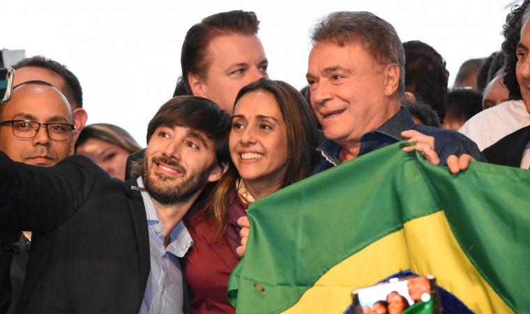 Senado paga viagens para Alvaro Dias divulgar candidatura presidencial