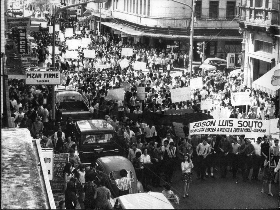 Protesto contra a ditadura militar realizado em São Paulo, em 1968. Foto Arquivo/Agência Estado