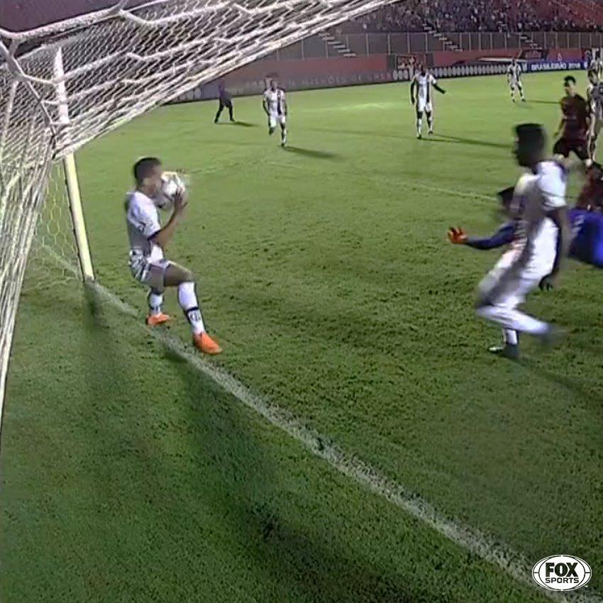 Flamengo x Vitória: erro arbitragem quase definiu a partida.