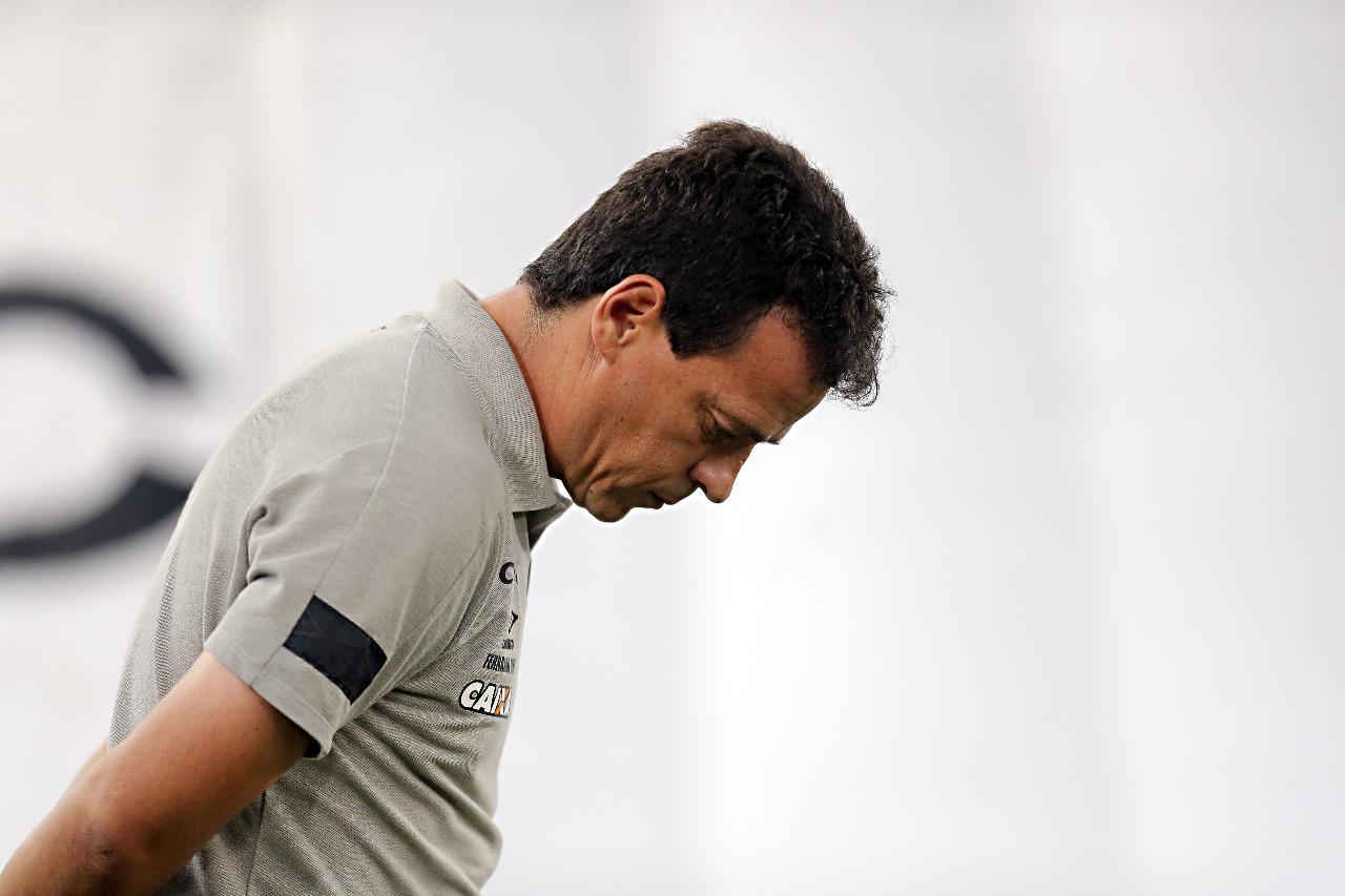 Fernando Diniz não resiste e é demitido do Atlético