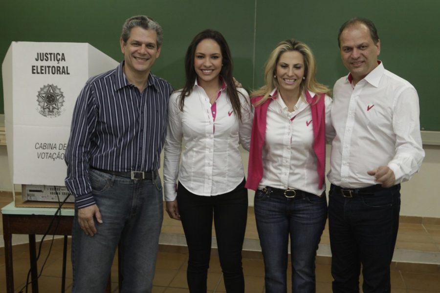 A candidata Cida Borghetti (PP), ao casar-se com o deputado federal Ricardo Barros (PP), passou a integrar uma dinastia da política paranaense (Foto: Paulo Matias/Gazeta do Povo)