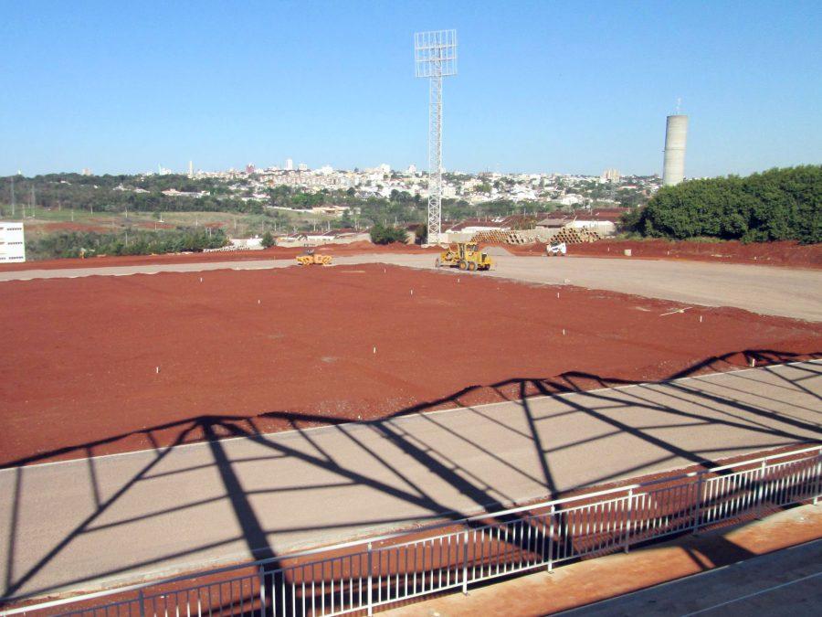 Centro Nacional de Atletismo, em Cascavel, obra orçada em R$ 18.700.000,00, ainda inacabada. Foto: Divulgação