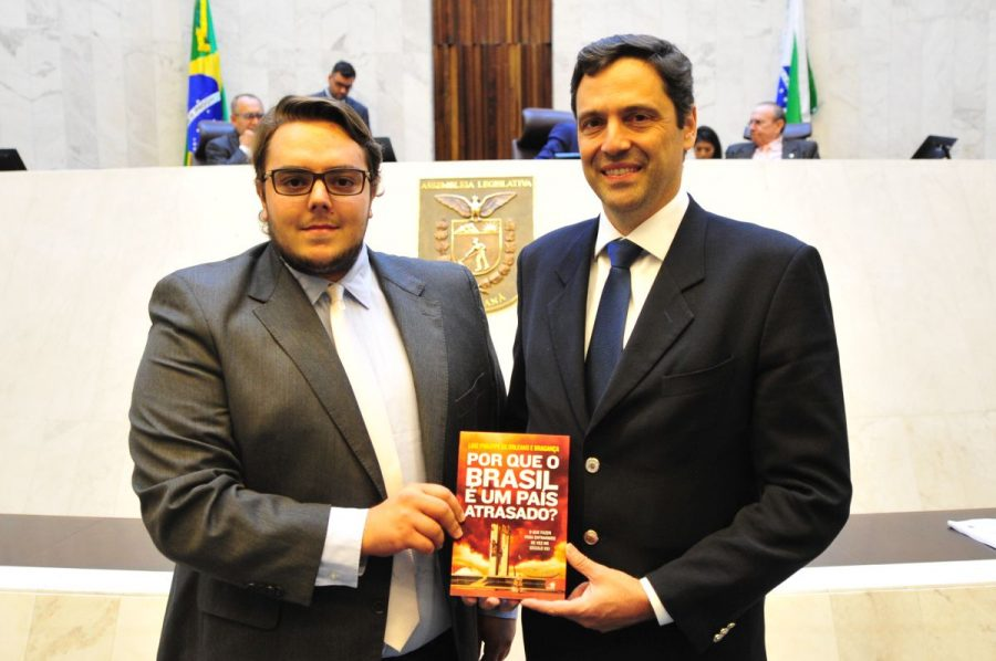Deputado Felipe Franscischini e o Príncipe Luiz Philippe de Orléans e Bragança. Foto: Pedro de Oliveira/Alep.