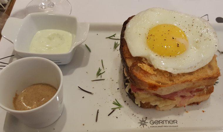 MON Café tem de tudo com os melhores sabores. De sanduíche a panqueca. De salada a massas